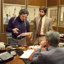 Adam Goldberg eMark Ruffalo in una scena del film Zodiac