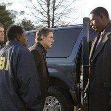 Chris Cooper e Dennis Haysbert in una scena di Breach - L'infiltrato