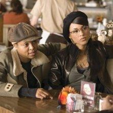 Alicia Keys e Taraji Henson in una scena di 'Smokin' Aces'