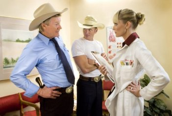 Michael Parks, James Parks e Marley Shelton una scena del film Death Proof, episodio del double feature Grind House