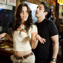 Vanessa Ferlito in una scena del film Death Proof, episodio del double feature Grind House