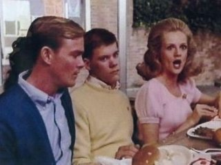 James Daughton, Kevin Bacon e Martha Smith in una scena di Animal House