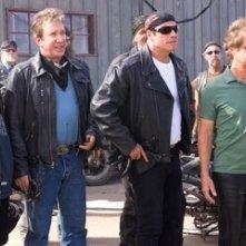 John Travolta, Martin Lawrence, Tim Allen e William H. Macy in una sequenza di Svalvolati on the Road