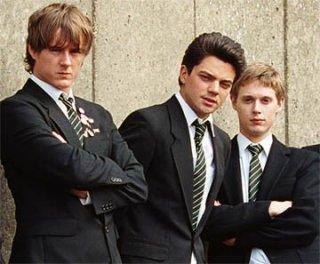 Andrew Knott, Samuel Barnett e Dominic Cooper in una scena del film The History Boys
