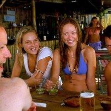 Beau Garrett, Olivia Wilde, Josh Duhamel e MDesmond Askew in una scena del film Turistas