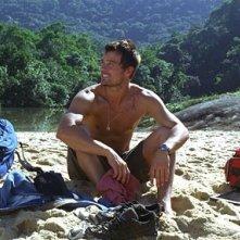 Josh Duhamel  in una scena di Turistas