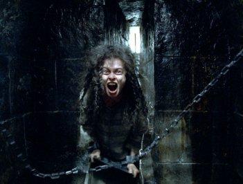Helena Bonham Carter in una sequenza del film Harry Potter e l'Ordine della Fenice