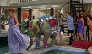 Una scena del film di Blake Edwards Hollywood Party