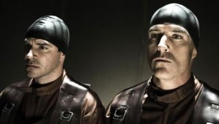 Roger Bart e Richard Burgi in una sequenza del film Hostel II