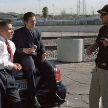 Christian Bale e Freddy Rodriguez col regista David Ayer sul set del film Harsh Times - I giorni dell'odio