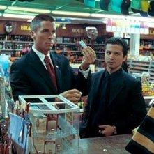 Bale e Rodriguez in una scena del film Harsh Times - I giorni dell'odio