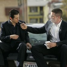 Harsh Times - I giorni dell'odio: Christian Bale e Freddy Rodriguez in una scena del film