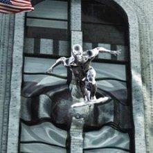 Doug Jones in una scena de I fantastici 4 e Silver Surfer