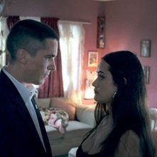 Samantha Esteban e  Christian Bale in una scena del film Harsh Times - I giorni dell'odio
