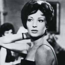 Monica Vitti in una scena del film L'avventura di Antonioni