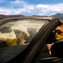 Natalie Portman e Norah Jones in una scena del film My Blueberry Nights