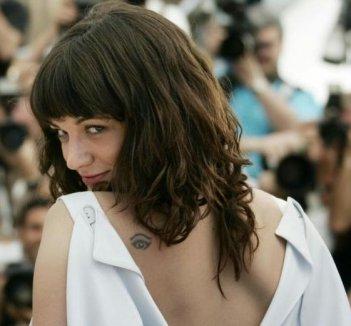 Cannes 2007: la sexy Asia Argento presenta 'Boarding Gate'