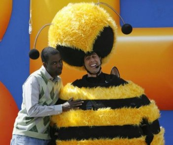 Chris Rock con Jerry Seinfeld vestito da ape, per promuovere il film d'animazione Bee Movie