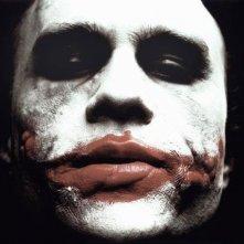 Heath Ledger è Joker in una scena del film Il cavaliere oscuro
