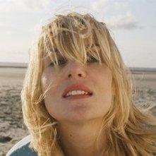 Emmanuelle Seigner in una scena del film Le scaphandre et le papillon