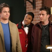 Pooch Hall, Eddie Kaye Thomas e Chris Pine in una scena del film Appuntamento al buio
