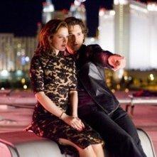 Eric Bana e Drew Barrymore in una scena di Le regole del gioco (Lucky You)