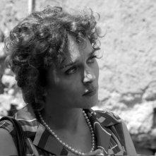 Valeria Golino in una bella scena del film Il sole nero