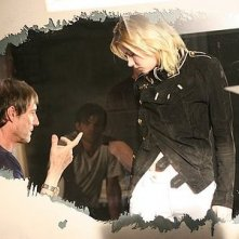 Roland Joffe e Elisha Cuthberth sul set del film Captivity