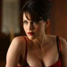 Carla Gugino in una scena del film Rise: Blood Hunter