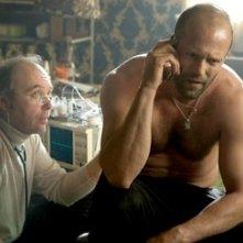 Dwight Yoakam e Jason Statham in una scena del film Crank