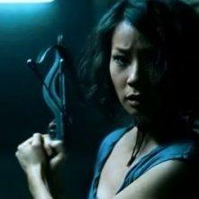 Lucy Liu in una scena dell'horror vampiresco Rise: Blood Hunter