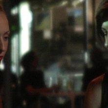 Anita Kravos e Dafne Porcari in una scena di Come l'ombra