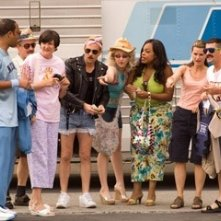 Cedric Yarbrough, Carlos Alazraqui, Kerri Kenney-Silver, Thomas Lennon, Wendi McLendon-Covey, Niecy Nash, Mary Birdsong e Robert Ben Garant in una scena di Reno 911!: Miami
