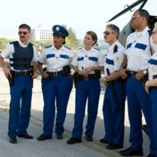 Thomas Lennon, Robert Ben Garant, Niecy Nash, Mary Birdsong, Carlos Alazraqui, Cedric Yarbrough, Wendi McLendon-Covey in una scena di Reno 911!: Miami