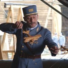 Jean Reno in una scena del film Giovani Aquile - Flyboys