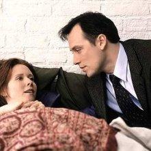 Cynthia Nixon in una sequenza di Sex and the City, episodio Desideri particolari
