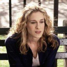 Sarah Jessica Parker in una scena di Sex and the City, episodio 'Loro' ti cambiano la vita