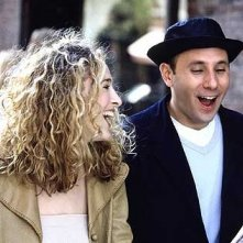 Willie Garson e Sarah Jessica Parker in una scena di Sex and the City, episodio Singles & Sposati