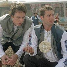 Dax Shepard e Luke Wilson in una scena del film Idiocracy
