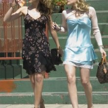 Haylie e Hilary Duff in una sequenza di Material Girls