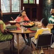 Nia Long, Ice Cube, Aleisha Allen e Philip Bolden in una scena di Finalmente a casa