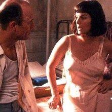 Ed Harris e Marcia Gay Harden in una scena del film Pollock