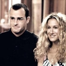 Sarah Jessica Parker e Justin Theroux in una scena di Sex and the City, episodio Dettagli non trascurabili