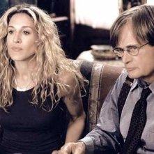 Sarah Jessica Parker è Carrie Bradshaw in una scena di Sex and the City, episodio Dettagli non trascurabili