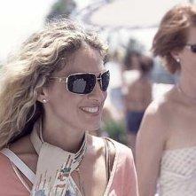 Cynthia Nixon e Sarah Jessica Parker in una scena di Sex and the City, episodio Fuga dalla città