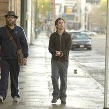 Joseph Gordon-Levitt e Matthew Goode in una scena di Sguardo nel vuoto
