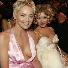 Wallpaper di Sharon Stone (con scollatura abissale) e Christina Aguilera
