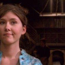 Jewel Staite in una scena del serial Firefly, episodio Serenity