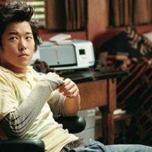Aaron Yoo in una scena del film Disturbia