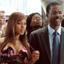 Chris Rock con Kerry Washington in una scena del film Manuale d'infedeltà per uomini sposati